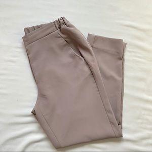3/20$ Streetwear Society Crop Pants Beige